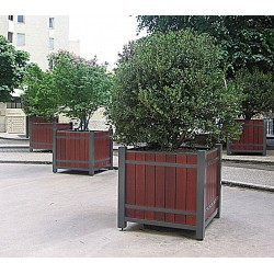 Pflanzbehälter aus Stahl/ Holz