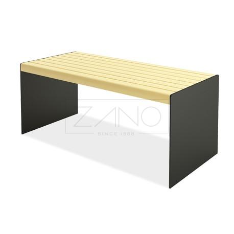 Tisch aus Stahl und Holz